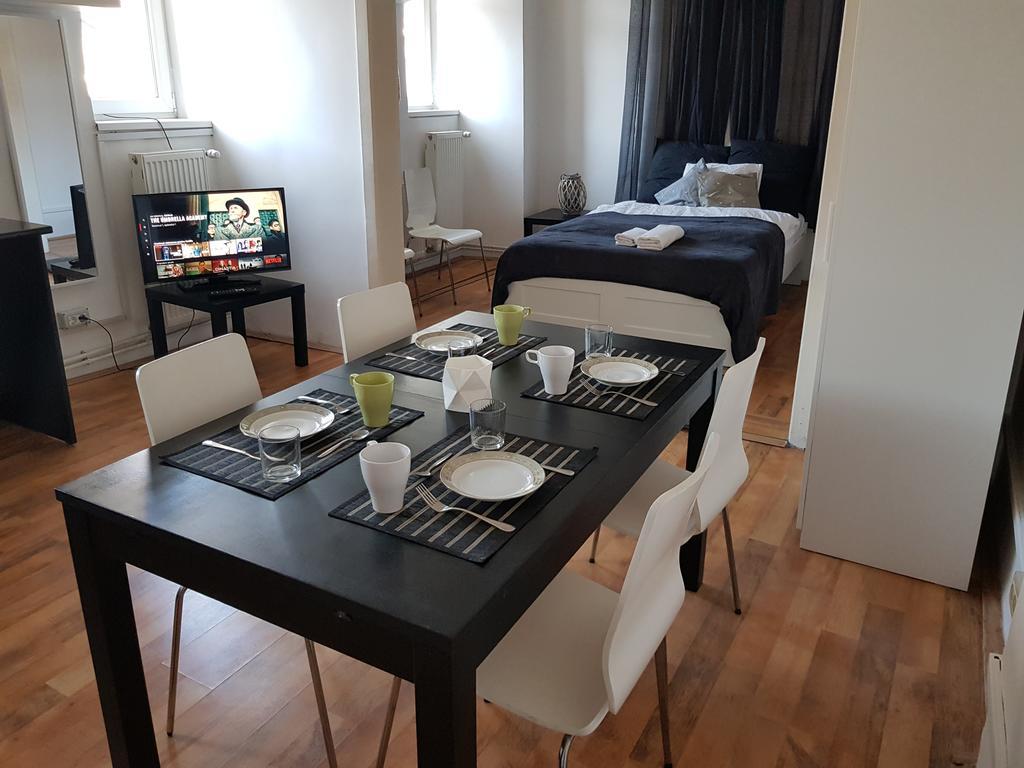 Contemporary Apartment București
