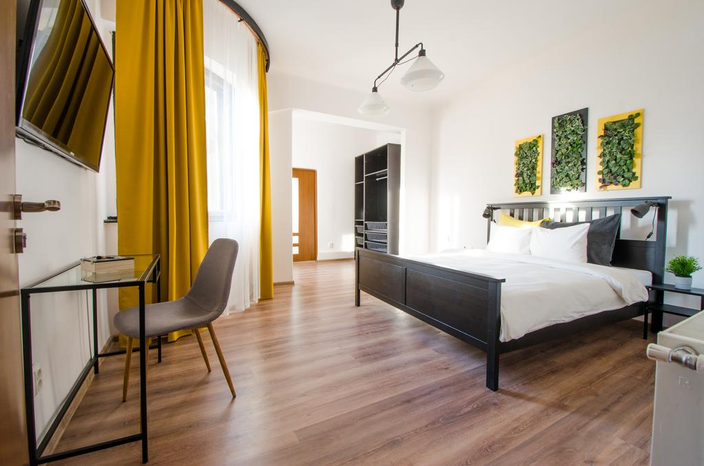 New Apartment in Bucharest City Centre București