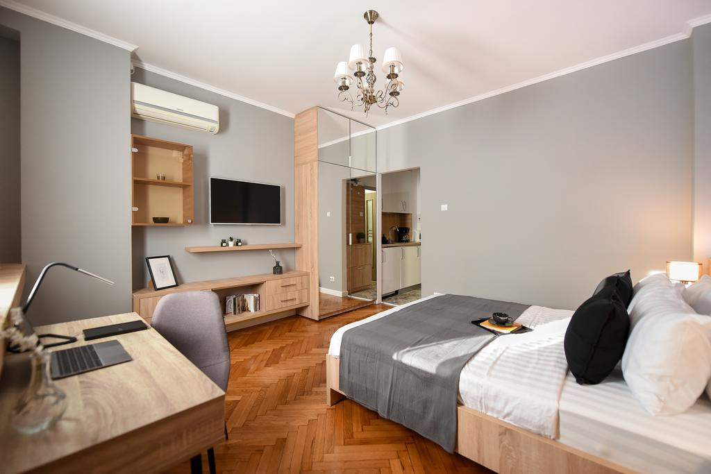 NEW Business Studio near Intercontinental Hotel - Homey Residence București